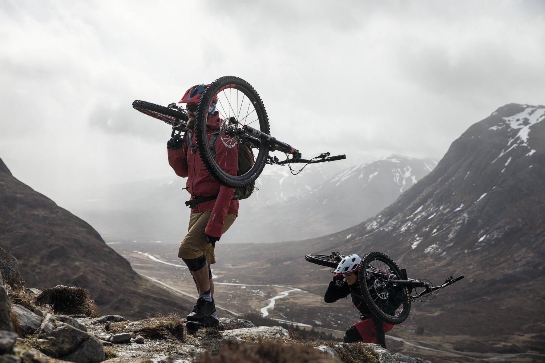 Bike_TransAlpinePro_SideShot_6_Martin-Bissig